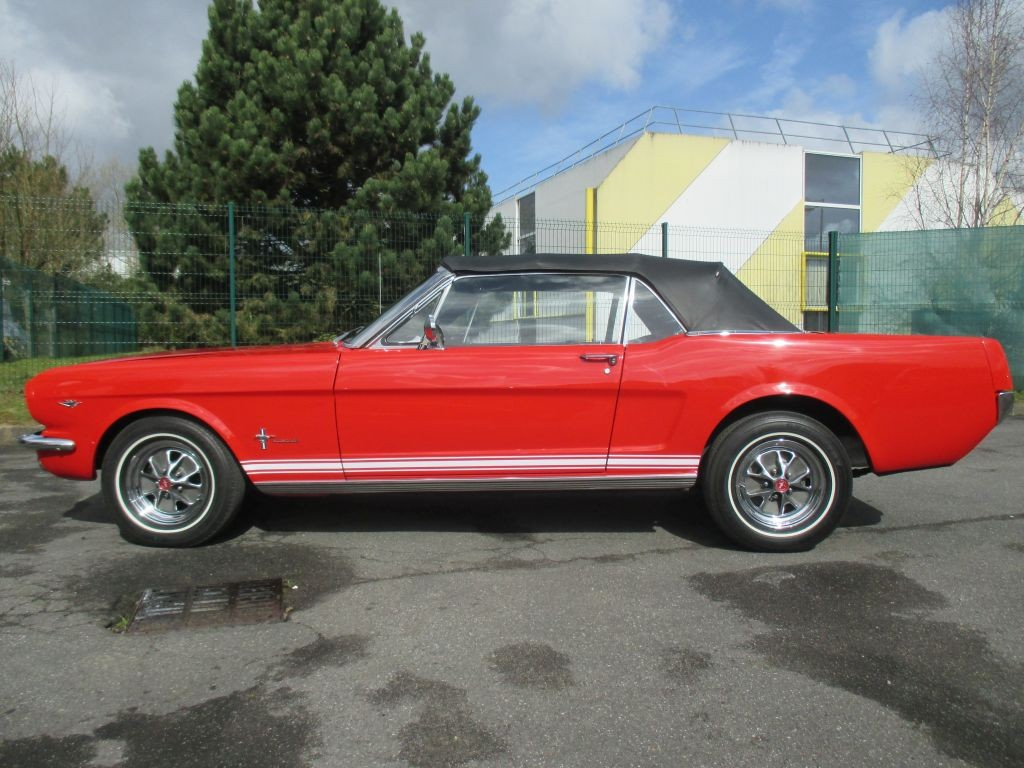 ford mustang cabriolet 1965 ford mustang cabriolet de 1965 prix 45000. Black Bedroom Furniture Sets. Home Design Ideas
